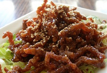 Crispy shredded beef in chilli and honey sauce