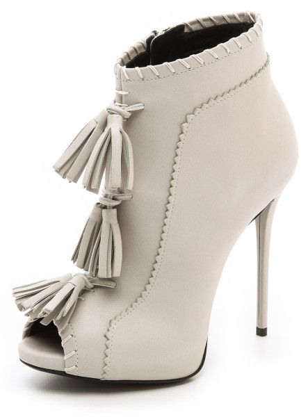 Giuseppe Zanotti ♥Twitter @ThePowerofShoes Instagram @SocietyOfWomenWhoLoveShoes www.SocietyOfWomenWhoLoveShoes.org