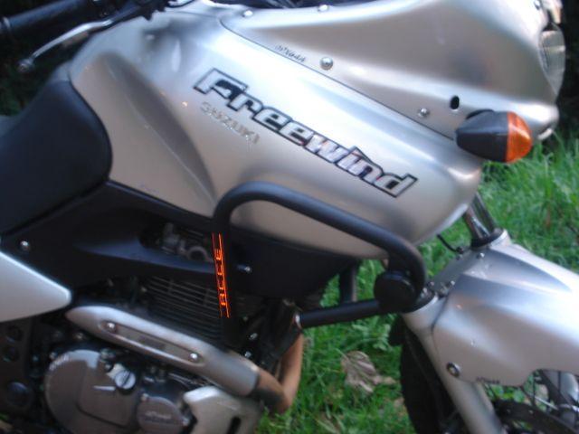 PROTECTOR CARENAJE MOTO FREEWIND XF650 ACCE EN MOTOSXTREME ONLINE