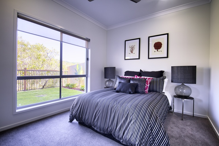 Simple and elegant guest bedroom with light and privacy.