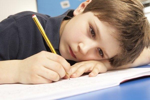 Posibles causas del bajo rendimiento escolar. Síntomas de alerta frente a un bajo rendimiento escolar