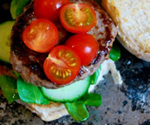 Home-made Beef Burgers: 230 Kcals Per Serving