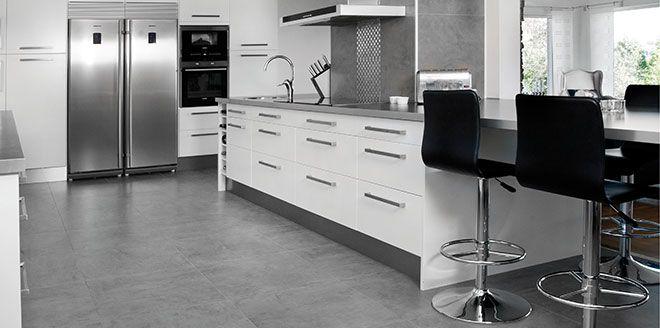 Köksgolv av klinker i kök