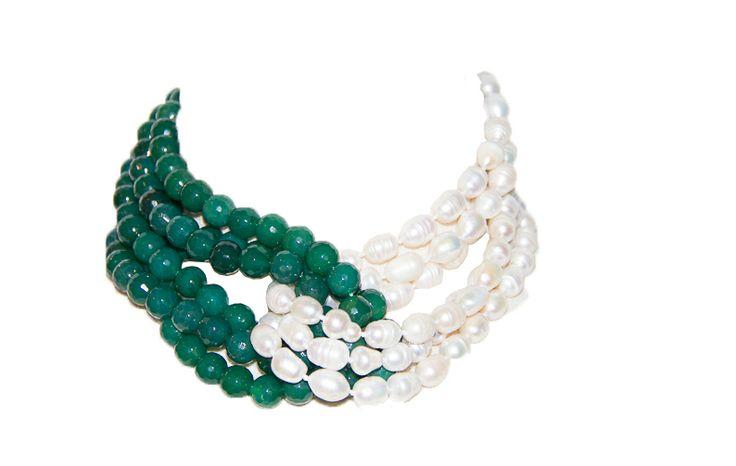 Perlas de rio blancas y ágatas verdes