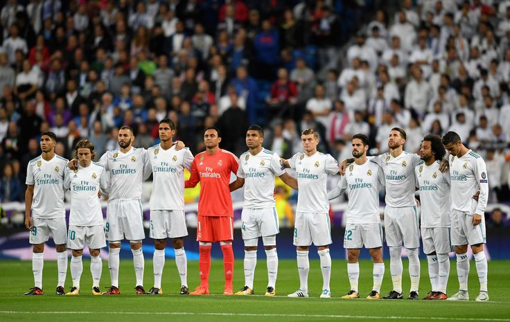 Real Madrid team line up during the UEFA Champions League group H match between Real Madrid and Tottenham Hotspur at Estadio Santiago Bernabeu on October 17, 2017 in Madrid, Spain. - 21 of 157