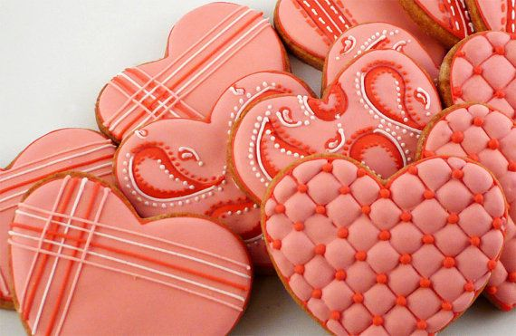 Gorgeous heart cookies.  Love the paisleys and quilted patterns.  Check out katieduran on etsy.