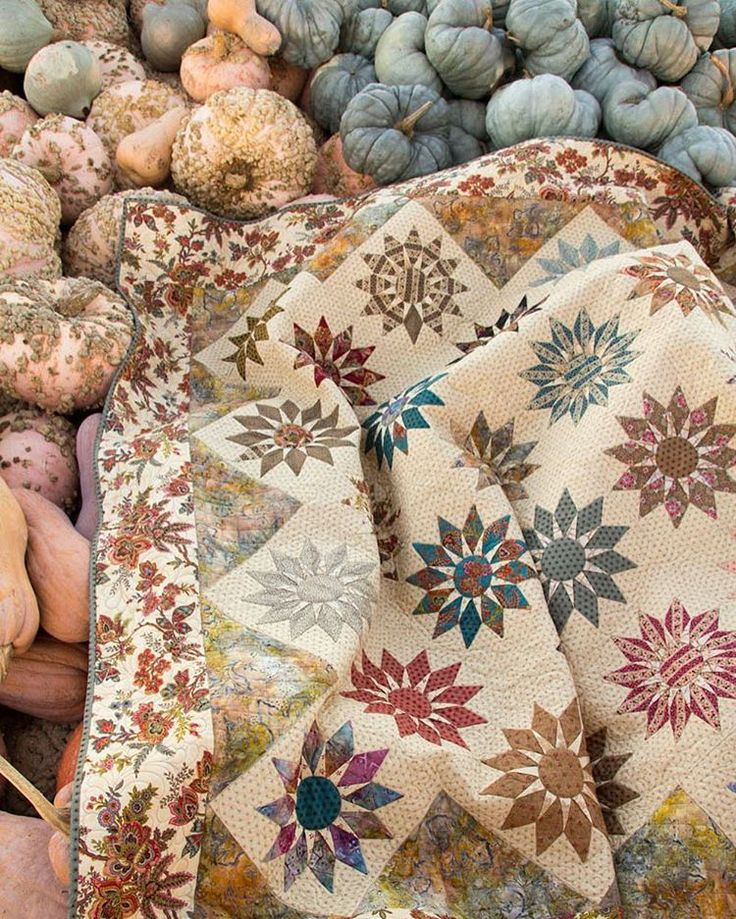 449 best Laundry Basket Quilts by Edyta Sitar images on Pinterest ... : laundry baskets quilts - Adamdwight.com
