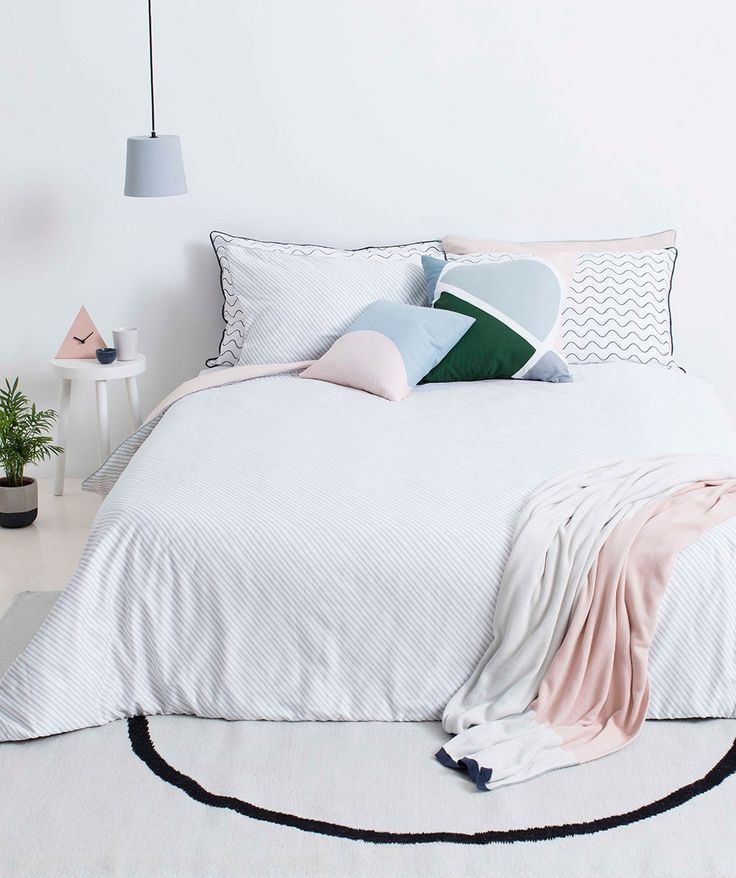 The best part of minimalist design is the unexpected : love tht STREAM PILLOW CASE SET