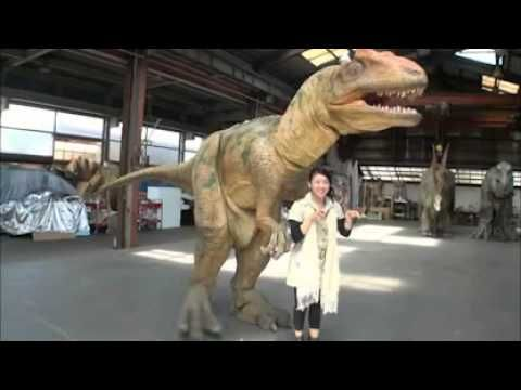 Super Realistic Dinosaur Suits. I wish movies would start using more puppetry again!