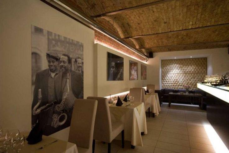 classic-restaurant-interior-design.jpg (1024×685)