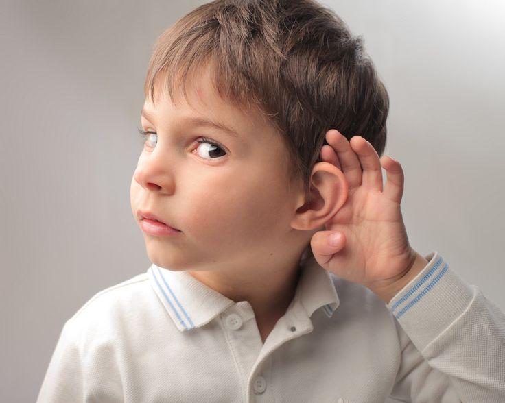 Uma boa audição é uma das chaves para o sucesso escolar e, para tal, o diagnóstico precoce de qualquer problema auditivo é fulcral. Quanto mais cedo se detetarem problemas auditivos, mais eficaz é o seu tratamento – e isto começa, inclusivamente, com os testes de diagnóstico efetuados em recém-nascidos que são cada vez mais frequentes.