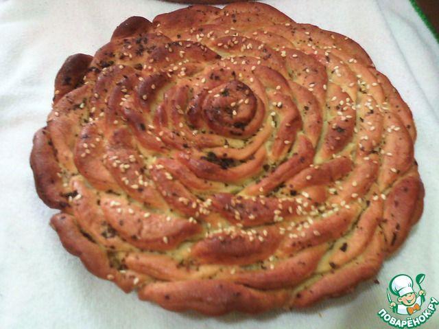 """Турецкий чесночный хлеб """"Роза"""" с базиликом - кулинарный рецепт"""