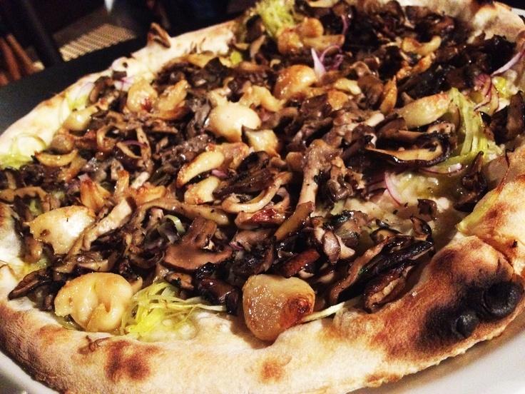 Vegan Pizza - Sautéed mushrooms, roasted garlic, leeks, red onion ...