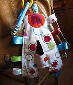 Use this free sewing pattern for babies to make a monogram taggie. Give it to your baby or as a gift for a friend's newborn. You can't go wrong with this easy, personalized gift.