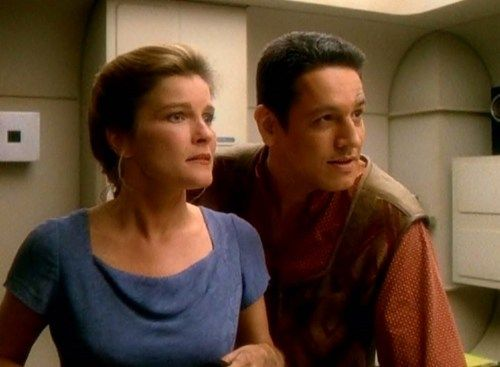 Janeway and Chakotay. The couple that should have been.<-------I'M GLAD PEOPLE AGREE WITH ME