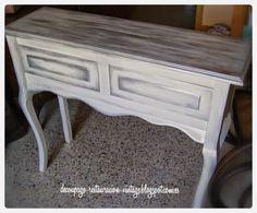 Pintar muebles nuevos de madera. Blanco y plateado.