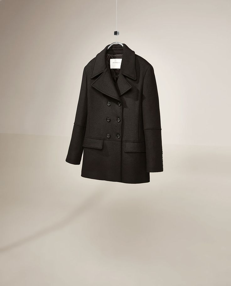 Image 4 of STUDIO DOUBLE BREASTED THREE QUARTER LENGTH COAT from Zara