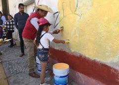 Continúa pinta de fachadas en comunidades de Zinacantepec