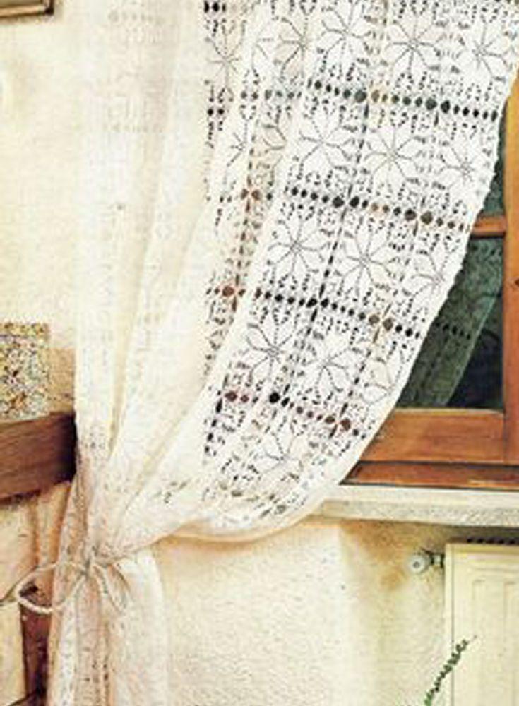 Стиль Бохо уникален во всём! Интерьер созданный в бохо стиле практически на 95% состоит из созданных своими руками или в единственном экземпляре изделий. Приветствуются необычные дизайнерские решения, например обыкновенные стеклянные банки могут совершенно неожиданным образом, дополнить ваш бохо интерьер.Вышивки, вязаные ажурные салфетки, декоративные подушки, куклы-тильды, старые шали и платки,…