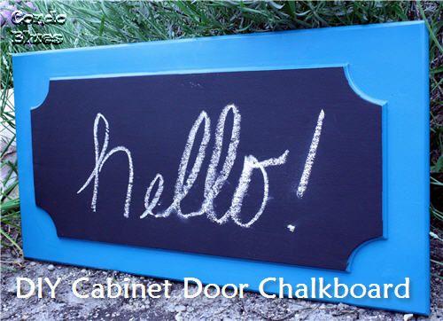 Chalkboard paintChalkboards Painting, Diy Cabinets, Doors Turn, Chalkboard Paint, Cabinet Doors, Old Cabinets Doors, Doors Chalkboards, Diy Decor, Diy Projects