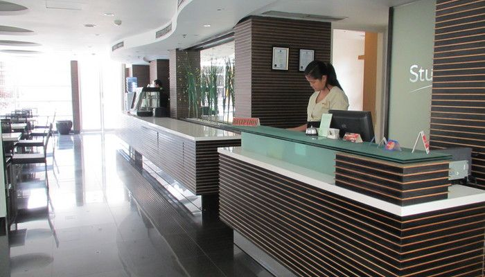 Studio One residence located in Jakarta, budget conscious travellers. A safe, clean, affordable and comfortable accommodation. Take 10 minutes walking distance from Grand Indonesia and very close to Tanah Abang shopping paradise. Perfect place for a traveler. http://www.zocko.com/z/JG6t0