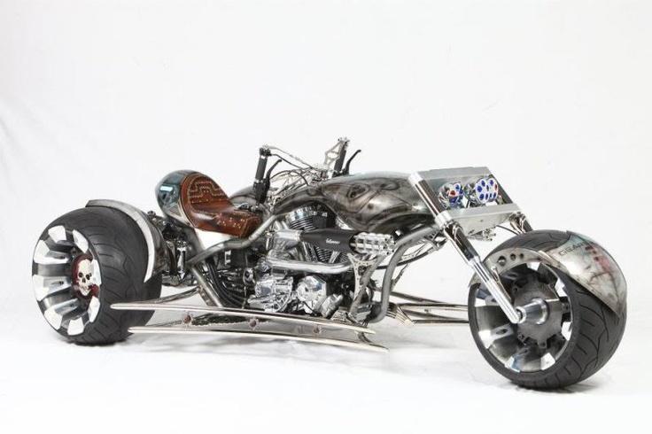 Paul Jr. Designs Gears of War TrikeGears Of Wars, Trike, Riding, Videos Games, Paul Jr, Cars, Custom Motorcycles, Daytona Beach, Custom Bikes