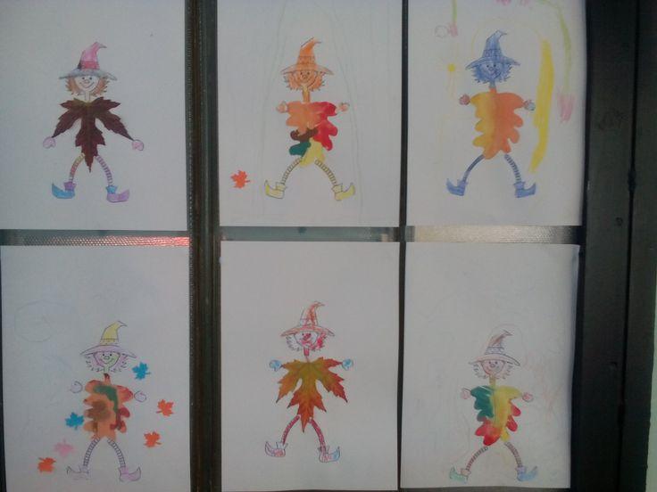Kolléganőm+a+gyerekekkel+(pár+héttel+ezelőtt)+őszi+faleveleket+festettek,+a+neten+pedig+találtam+egy+aranyos+sablont.  A+mai+napon+az+egyik+kislány+gyönyörű+faleveleket+is+gyűjtött+az+édesanyával,+amelyet+behoztak+a+csoportszobába.  Nem+volt+kérdés,+hogy+így+is+elkészítjük+a+mi+kis+manóinkat:)  A…