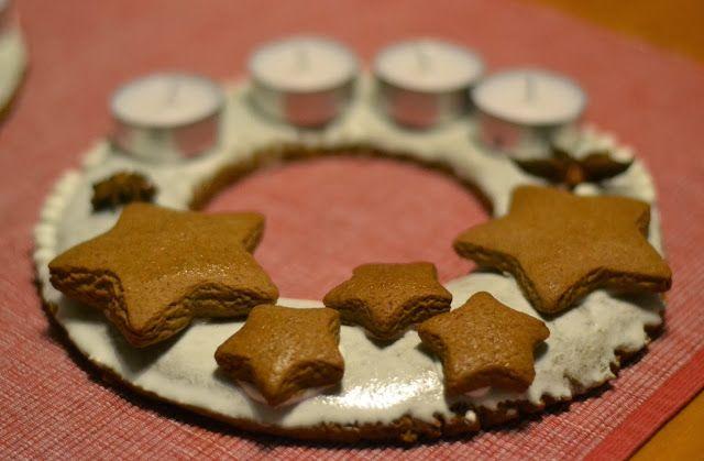 Když mám chuť......: ...... vytvořím perníkový adventní věnec a roztomilé domečky