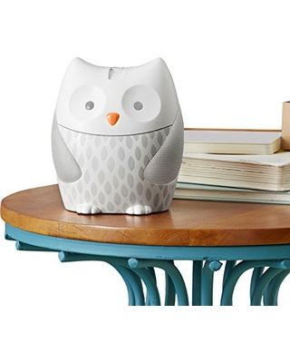 With four melodies and four nature sounds, this owl soother is fully equipped to help your baby fall asleep.