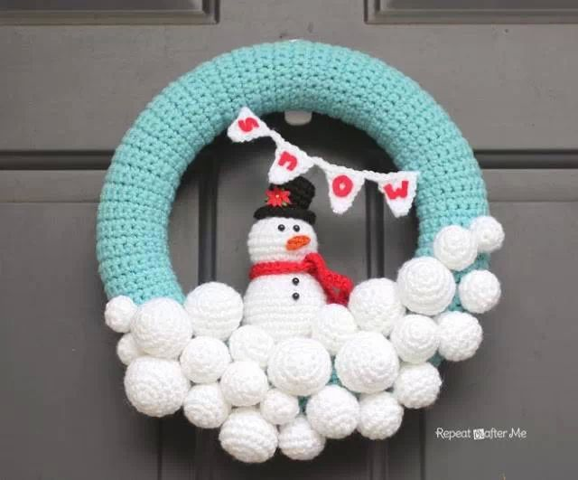 cute winter wreath.