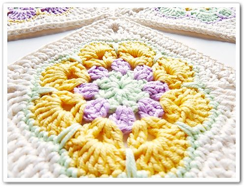 Ravelry: African Flower Square pattern by Barbara Langer