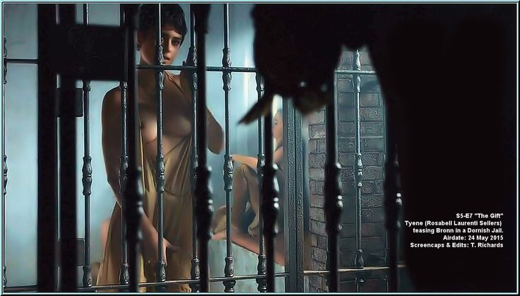 game of thrones jail strip scene