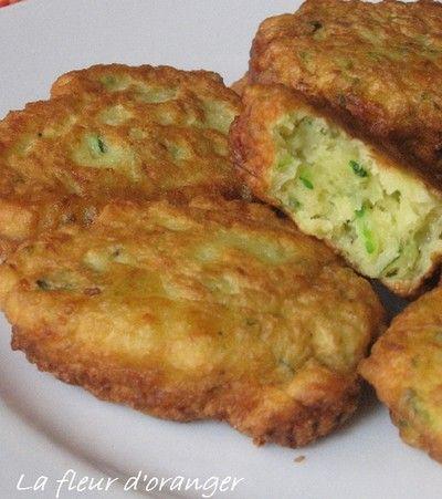 750 grammes vous propose cette recette de cuisine : Beignets de courgettes faciles. Recette notée 3.7/5 par 410 votants et 29 commentaires.