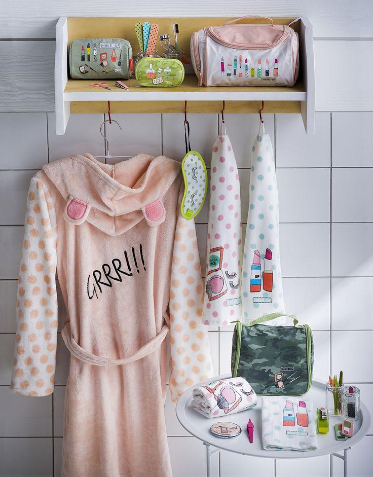 Baño Juvenil. Cosmetiqueros, toallas de mano, pinzas y limas.  Otoño - Invierno 2016.