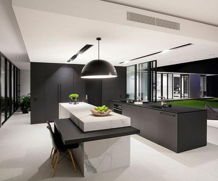 """55 tykkäystä, 6 kommenttia - Sarah Waller (@sarahwallerdesign) Instagramissa: """"Less is more .... #sarahwallerdesign #sarahwallerbuilding #doonanhouse #home #architecture #kitchen…"""""""