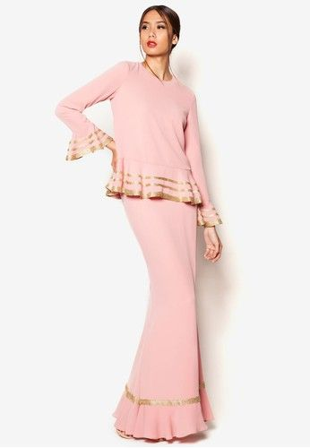 Art Deco Afreen Baju Kurung from Jovian Mandagie for Zalora in Pink Sugar, spice and everything nice, Jovian encapsulates this concoction by creating this stunning baju kurung with bold metallic gold accents in a gorgeous shade of pink. Exude fresh femininity with the lovely flared hems and a flowy mermaid si... #bajukurung #bajukurungmoden