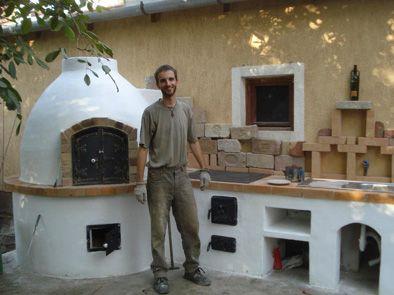 Kemence. A kemencék a legegyszerűbb, egyben legősibb fatüzelésű, épített fűtő és/vagy sütő berendezések. Hazánkban az Alföldön a búboskemencék...
