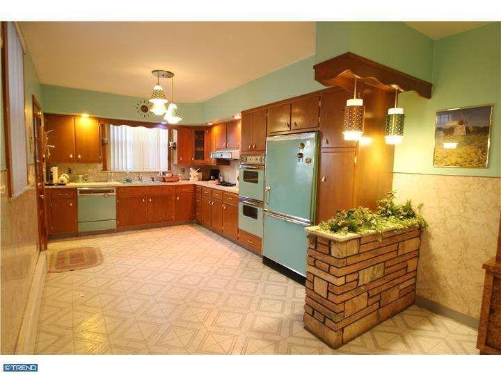 Retro kitchen in Passyunk Square, Philadelphia, PA.  MLS 6466197. Courtesy of RE/MAX Home Experts
