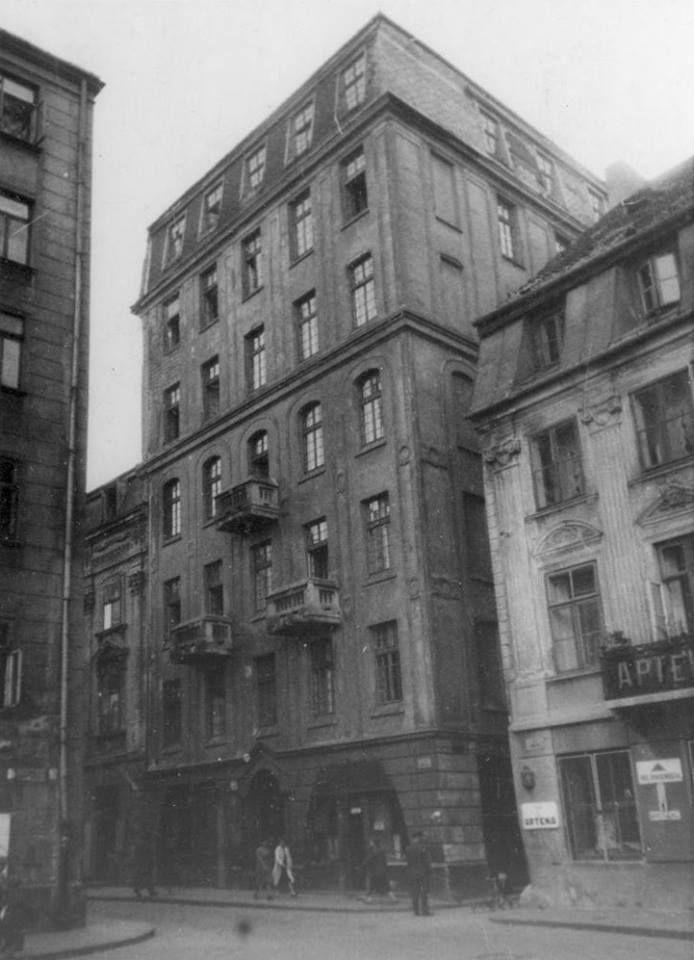 Nowe Miasto / Freta, wąski przesmyk po prawej to wylot Koźlej (za plecami Rynek). fot. 1942r., źr. warszawa.ap.gov.pl / źr. Referat Gabarytów.
