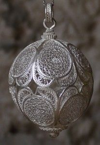 Wednesday's feature piece: Filigree Ball Pendant  This stunning silver bead features 12 heart shaped sections.  Each section contains an intricate woven pattern, all work is handcrafted.  Pendant size, 35 x 48mm  Price: €260.00 shipping included