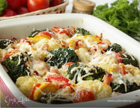 Гратен из цветной капусты и брокколи  Ароматные овощи, запеченные с аппетитным беконом — отличная идея на обед для всей семьи!  #едимдома #рецепт #готовимдома #кулинария #домашняяеда #гратен #брокколи #цветнаякапуста #бекон #второе