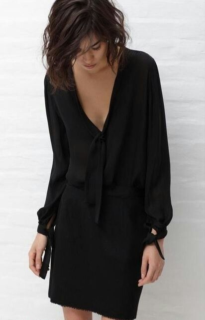 I like black dresses way too much! It's looks loose fitting is another reason I like it.