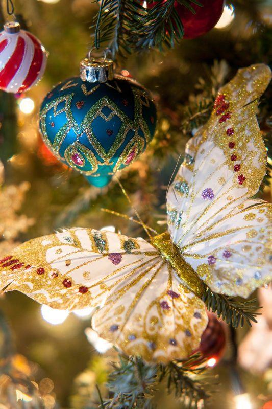 A Gracious Christmas Tree Allows For An Abundance Of