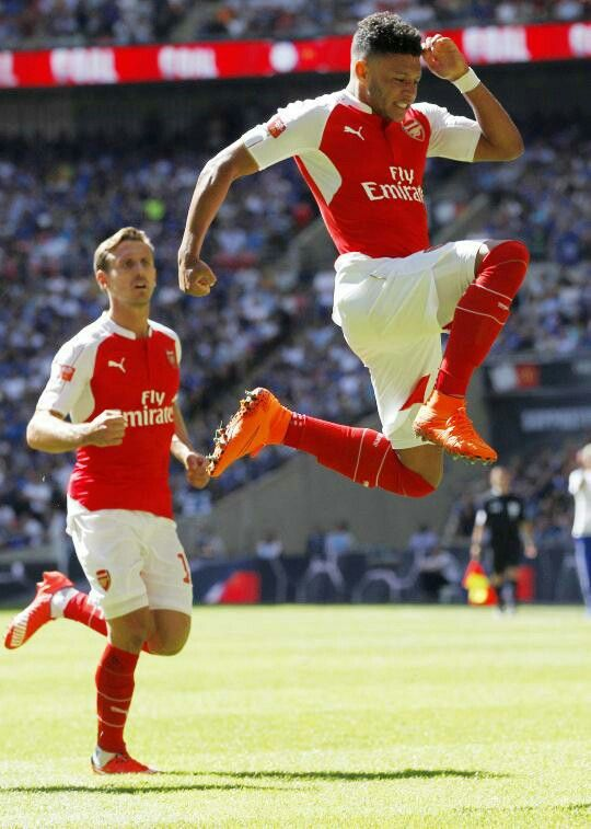 The Ox puts the Arsenal on the board #CommunityShield