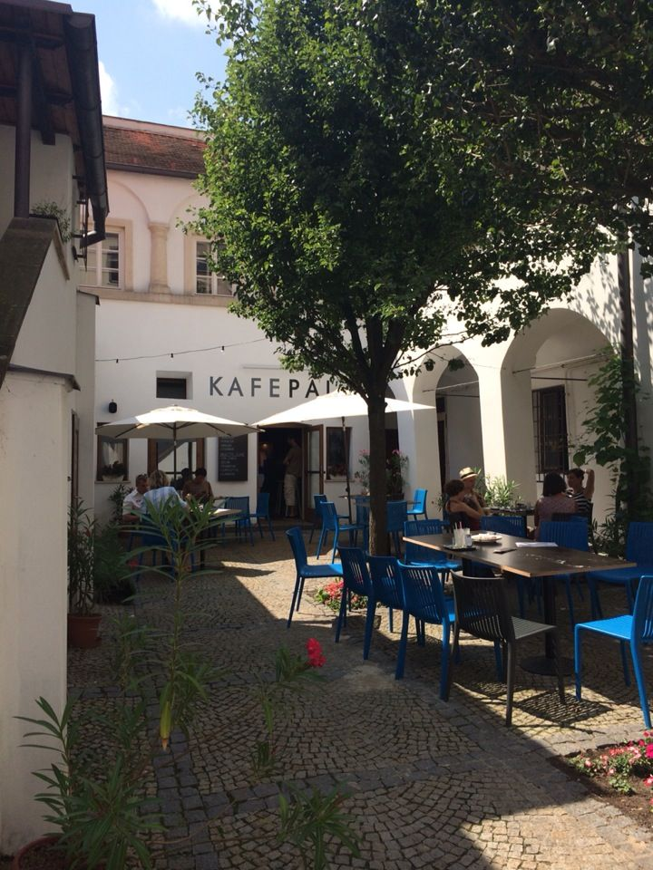 Kafe Pala in Mikulov, Jihomoravský
