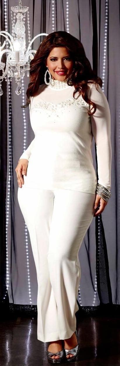 All white? Can you do it? Or are you prone to spilling when wearing this non-color? http://thingswomenwant.com/
