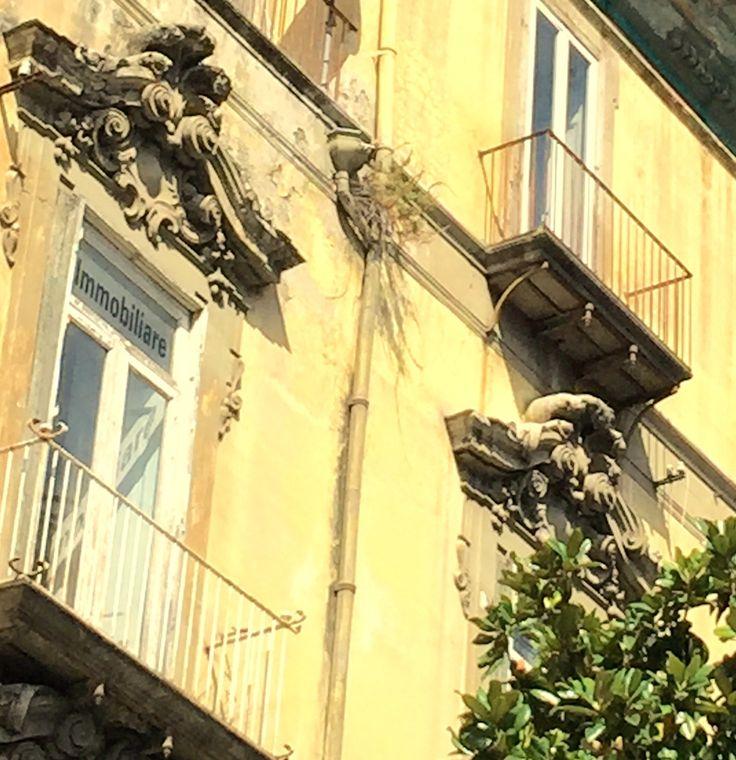 Napoli verde e ornamento. Foto di.Armando Sichenze