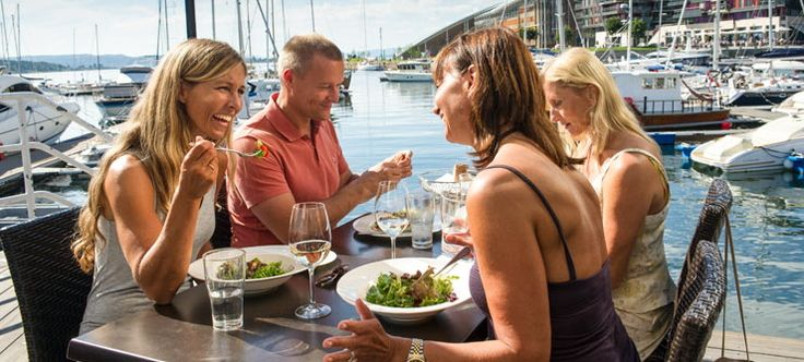 If the weather is warm and sunny, Norwegians love having a meal outdoors in the summer - Photo: CH - visitnorway.com