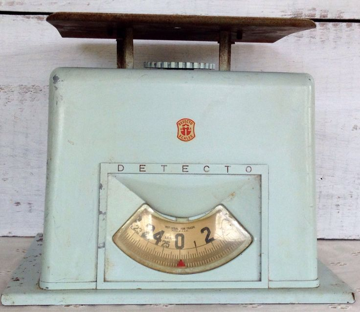 Nice Detecto kitchen scale in minty green from my Etsy shop https://www.etsy.com/listing/543568430/vintage-midcentury-1950s-detecto-25-lb