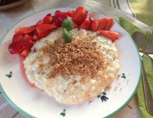 Nougat-Milchreis mit marinierten Erdbeeren - Rezept - ichkoche.at
